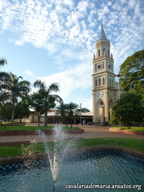 Em Palmital – SP, na Paróquia Santo Antônio, visitas da Imagem Peregrina
