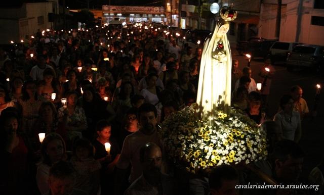 Procissão luminosa em Araxá – MG