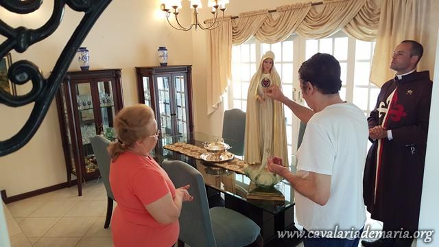 Em Sorocaba – SP, na Paróquia Nossa Senhora de Fátima, visitas com  a imagem peregrina